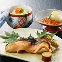 地元村上の郷土料理は季節や行事に合わせお出ししております。