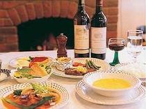家庭的な洋食コース料理、日替わりデザートも美味しい
