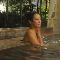 女性露天風呂夜!!い〜湯だなぁ〜★