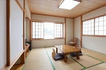 8畳の広い和室
