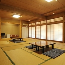 和室27畳 8名〜12名でご利用になれます。