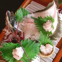 【舟盛りイメージ】新鮮な魚介類を堪能するならお造りが一番!