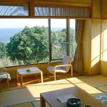 【海が見える客室一例】窓の外には太平洋の大海原が広がります