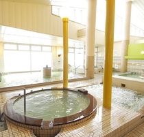 ◆大浴場◆北海道で唯一の国民保健温泉地★別名「化粧の湯」と言われ、なめらかな肌触りと高い保湿性が人気