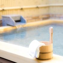 湯の里杉菜の露天風呂
