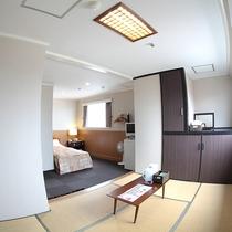 *客室/和洋室。ベッド1台+和室5畳。全室WiFi完備で光インターネット対応です!