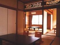 落ち着いた雰囲気のお部屋は、自分の家のようにおくつろぎ頂けます。