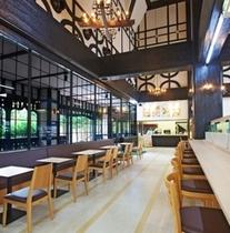 ホテル敷地内「軽井沢レイクサイドショップ・ベーカリーカフェ コパン」