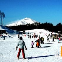 軽井沢スノーパーク(車で約30分)初心者やお子様でも安心なコース☆雪遊びも◎