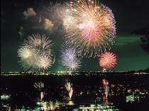 2010年7月25日/舘山寺花火大会(写真提供:静岡県観光協会)