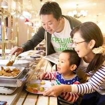 炭火焼肉や浜松餃子、お寿司、お刺身、季節の創作料理が食べ放題