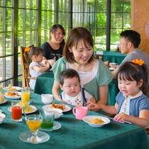 全プラン、朝食は無料サービス!朝食はレストランで。