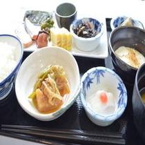 バイキングの朝食(和食一例)