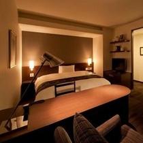 デラックスダブル ベッド幅180センチ