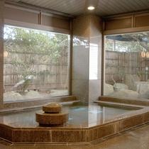 *大浴場/女性用 クラブハウス内にございます。プレーの後は汗を流してさっぱり!