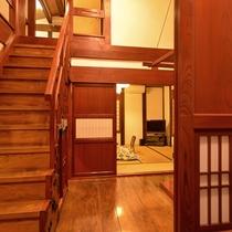 *弐の蔵/蔵を改造したメゾネットタイプの広々としたお部屋です。