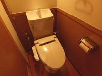 複数人部屋の個室トイレ