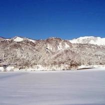 *【風景(冬)】まるで絵葉書のような景色が広がります。