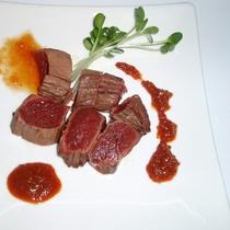 *【夕食一例】馬肉超レア焼