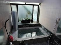 大理石のお風呂