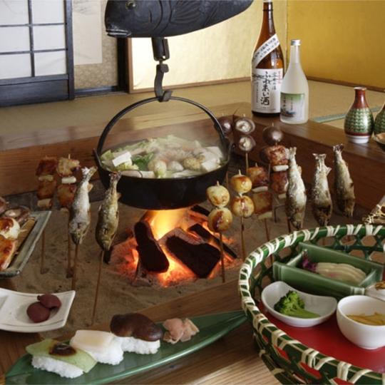 囲炉裏料理(一例) 写真提供:楽天トラベル