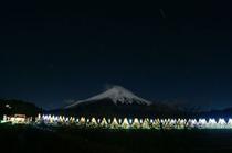 夜景の富士とイルミネーション