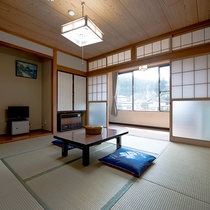 *ゆったりとした和室8畳。足を伸ばしてごゆっくりお休み下さい。