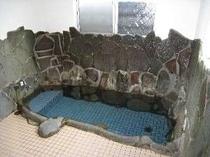 温泉風呂は貸切で入浴できます♪