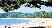 日本の渚百選に選ばれた弓ヶ浜へ徒歩3分