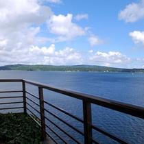 汐見亭最上階「特別室」からの海の景色