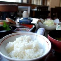 朝食の一例〜ダイニングレストラン