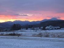 遠野の朝焼け風景