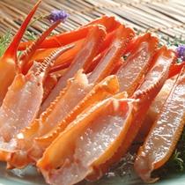 生でも食せる新鮮な「香住かに」は、しゃぶ鍋で。