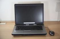 レンタルパソコン貸出ししております。