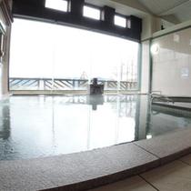 *【風呂】ソーラーシステムを利用した準天然トロン温泉です。