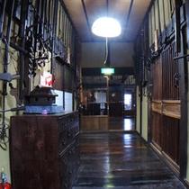 *【客室/曲がり家】客室と居間を繋ぐ廊下。