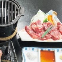 *【夕食一例】トロけるようなまろやかさが口一杯に広がる遠野牛網焼き。
