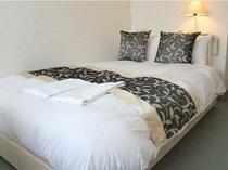 デュベスタイルのセミダブルルーム シモンズ社製の高級ベッドを導入!安眠をお約束♪
