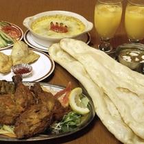 ■本場ネパール人シェフが作るネパール料理。焼き立てナンは大人気です。