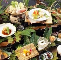 ■秋の和風御膳。旬のお料理を美味しくいただけるよう工夫しております。