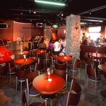 ■エスニックレストラン「かもしか」。本場ネパール人シェフが作るカレーが人気。