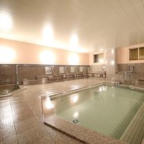 ■【大浴場】志賀高原の天然水で入る天然風呂。ミネラルが豊富で、体の芯から温まりお肌もすべすべ。