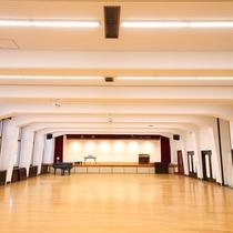 ■【音楽ホール】床は、桜材を使用。音響が抜群にいい!と好評です