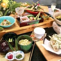 ■根曲がり竹御膳。志賀高原の特産、根曲がり竹をご堪能いただける御膳です。