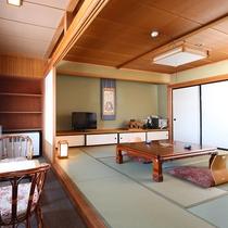 ■【らいちょう館■最上階和洋室】窓からの眺めをお楽しみください