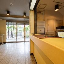 ホテルフロント1