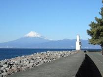 御浜公園灯台より  ピーディフライより徒歩5分