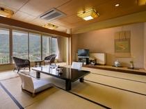 【川側和室20畳】広々としたゆっくりくつろげるお部屋です