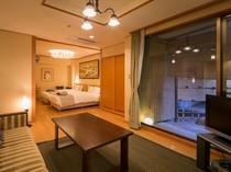 【露天風呂付客室】ゆったりとした和室のお部屋でお寛ぎください。