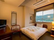 【シングルルーム】ひとり旅、ビジネスのお客様のお部屋です。